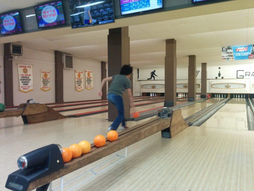 ScholCommLab visiting scholar Iara Vidal at the bowling alley